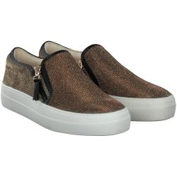 Buffalo - Slip-On in Gold