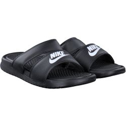 Nike - BENASSI Duo Ultra in Schwarz